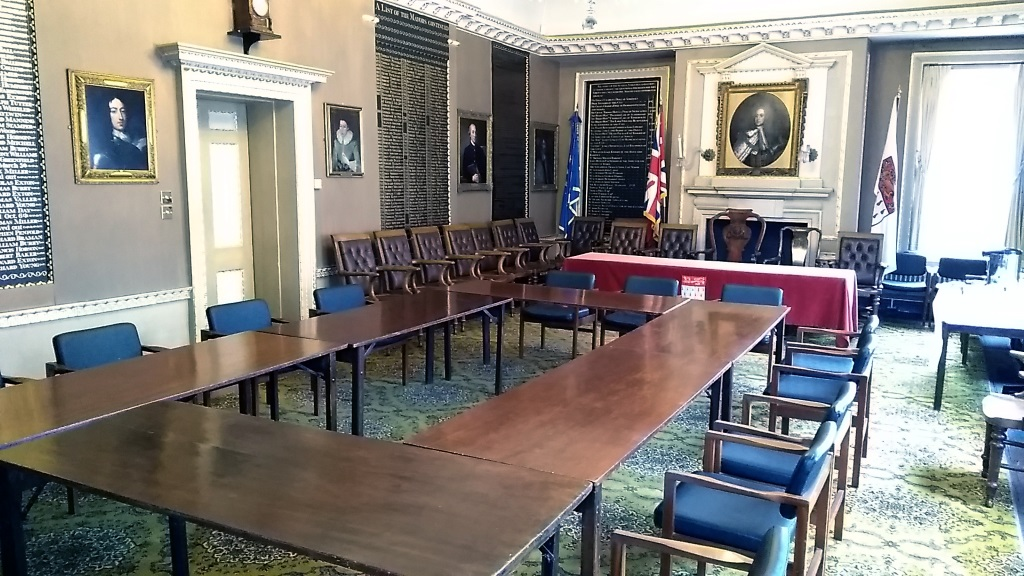 The Council Chamber set up for committee meetings with the Mayoral table set up in the background