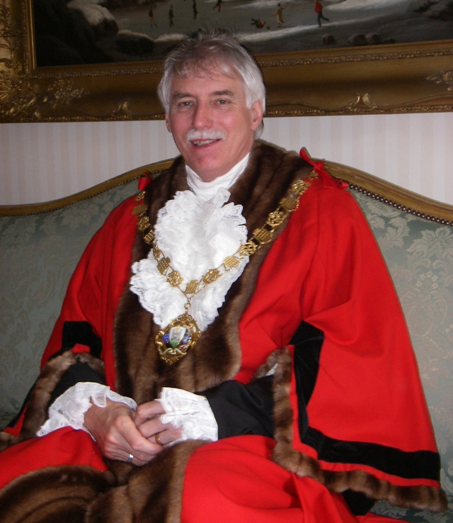 Past Mayor of Chichester - Councillor Brown - 2007-08 and 1997-98