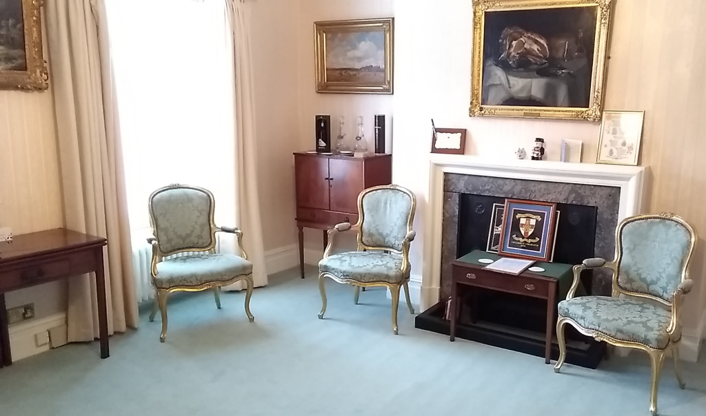 Mayor's parlour, facing north, showing fireplace